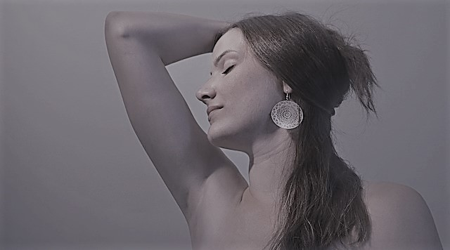 תמונה של אישה